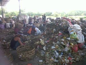 Separating plastic from household garbage at Temesi